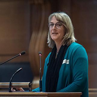 Dr Kristin Becker van Slooten